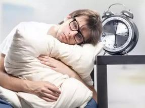 Почему с похмелья сложно заснуть