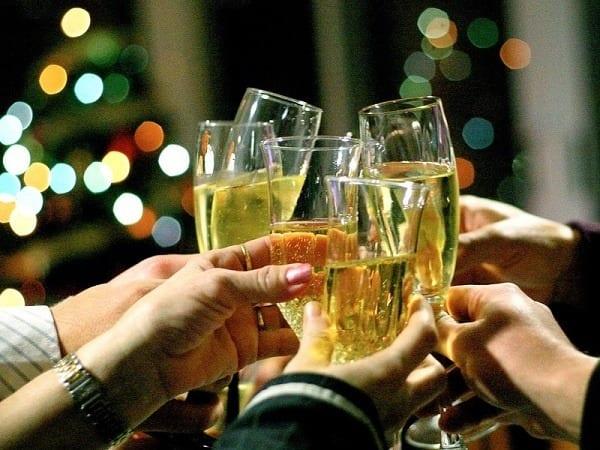 Влияние шампанского на женский организм