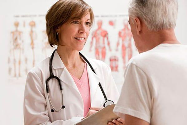 Картинка доктора с больным
