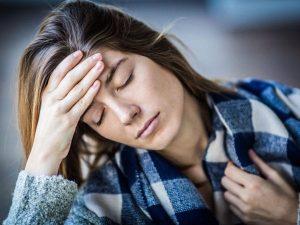 Девушка с синдром хронической усталости