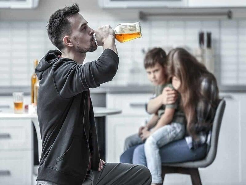 Алкоголизм: социальные аспекты